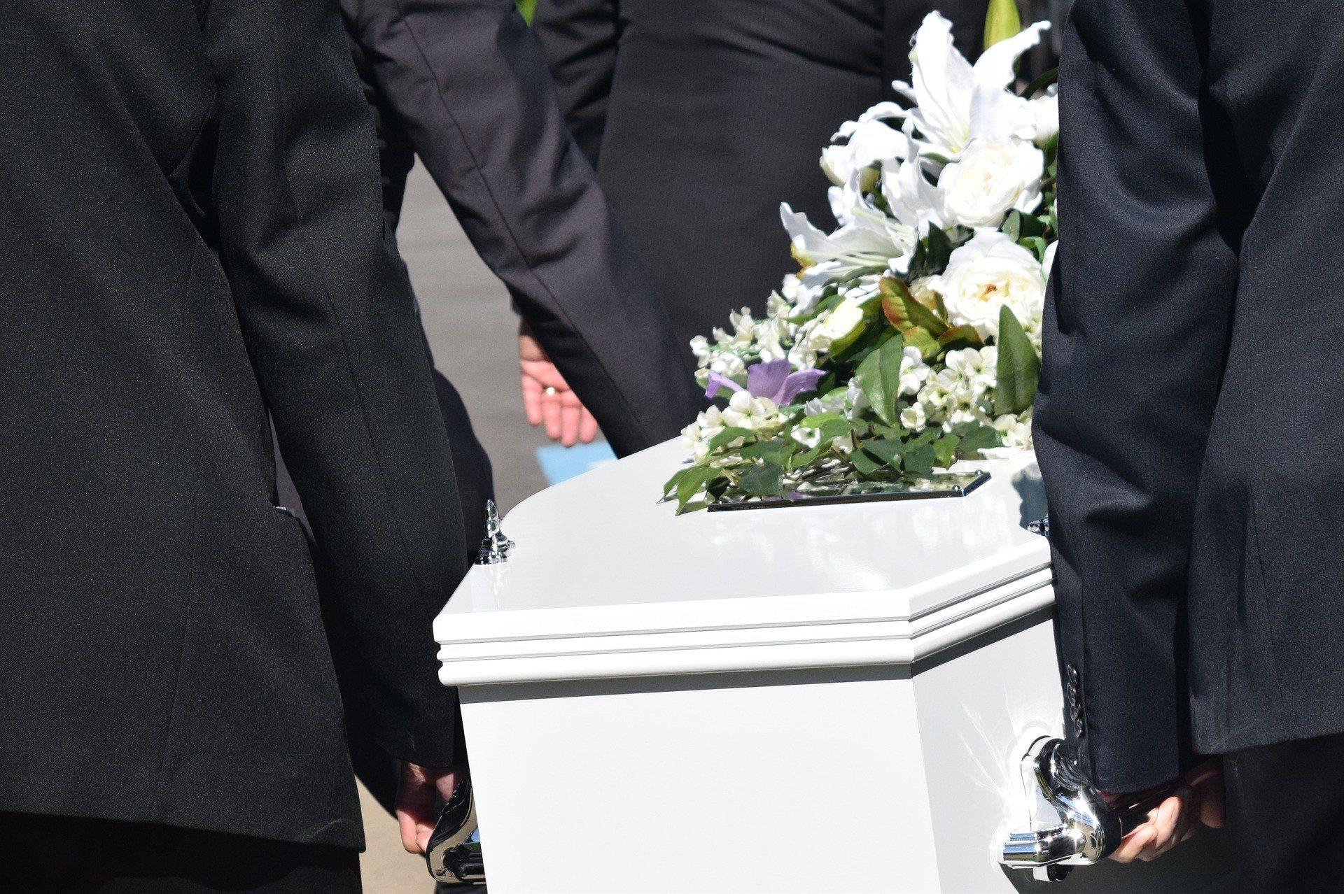 Odprawa pośmiertna – komu przysługuje?